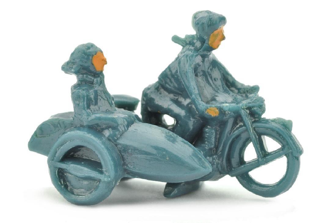 Motorradfahrer mit Beiwagen, mattgraublau
