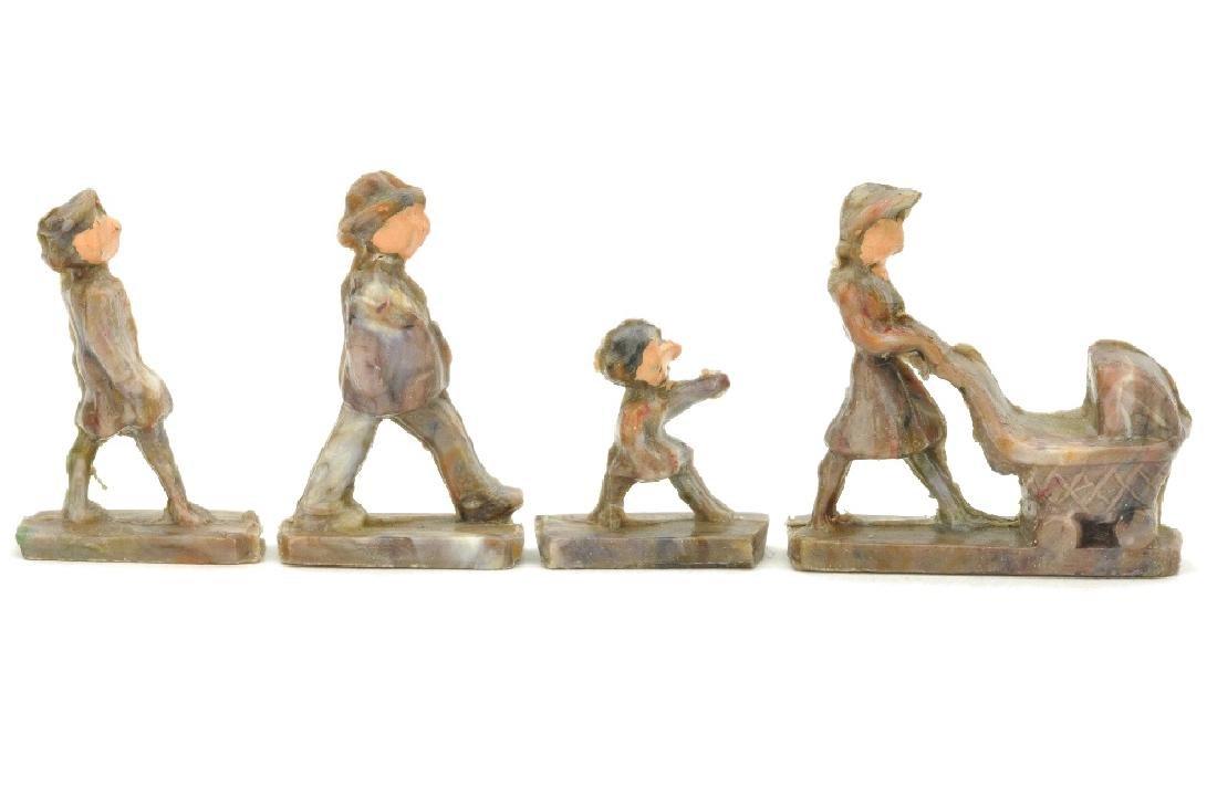 Gehende Personen mit Kinderwagen (Form A)