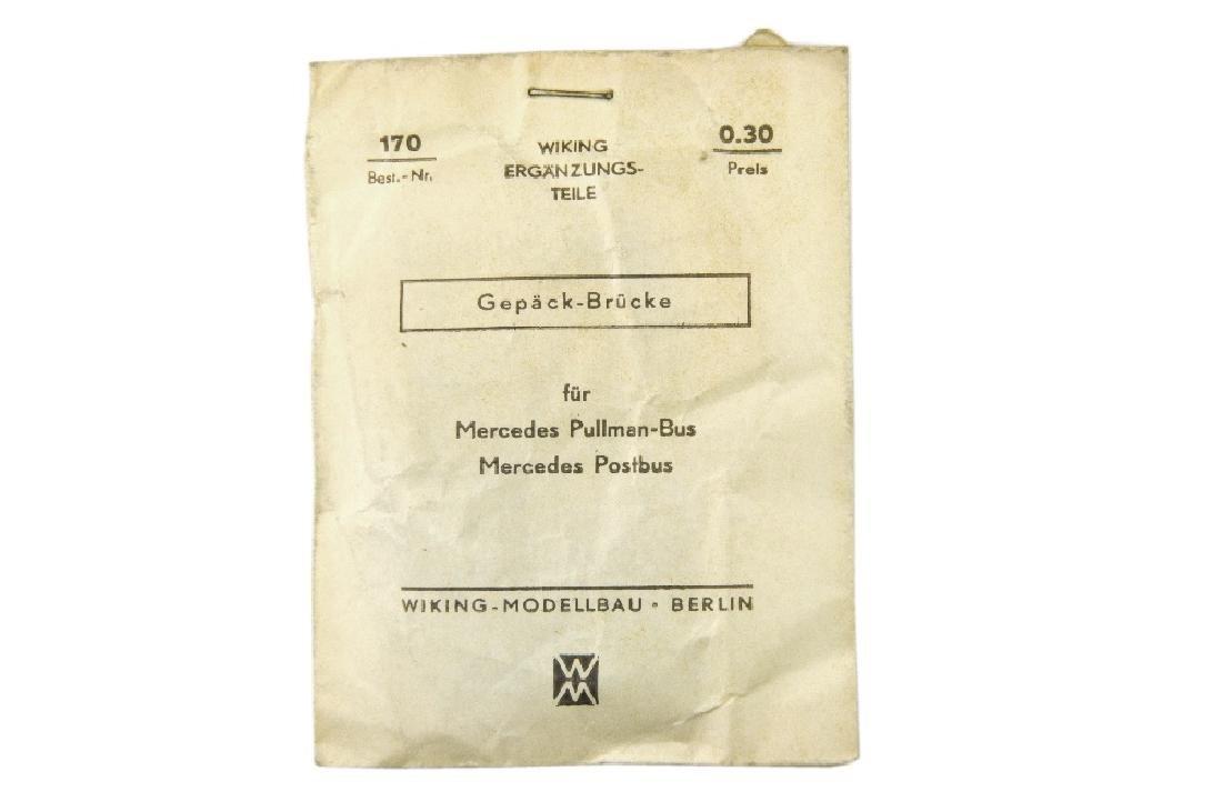 Gepaeck-Bruecken (in Papiertuete)
