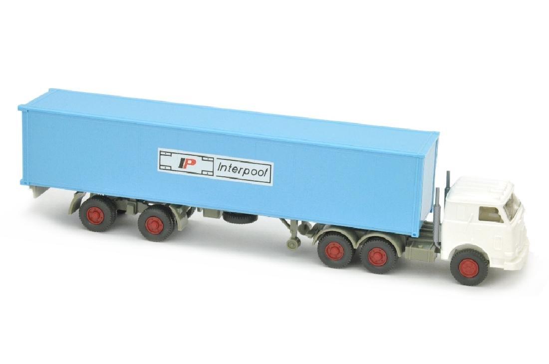 Interpool - Container-LKW US-Zugmaschine