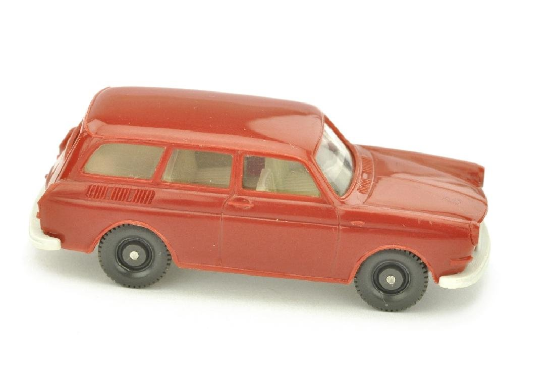 VW 1600 Variant, weinrot (Chassis altweiss)