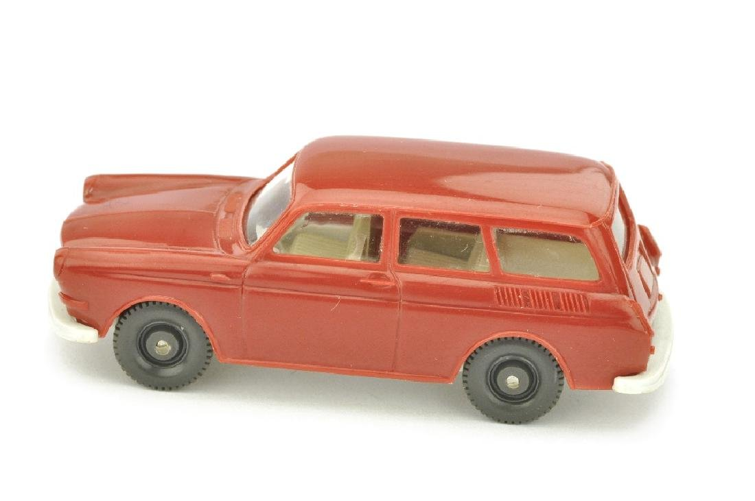 VW 1600 Variant, weinrot (Chassis altweiss) - 2