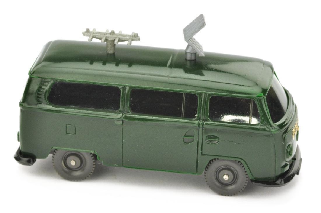 Polizeiwagen VW T2 mit Antennen, tannengruen