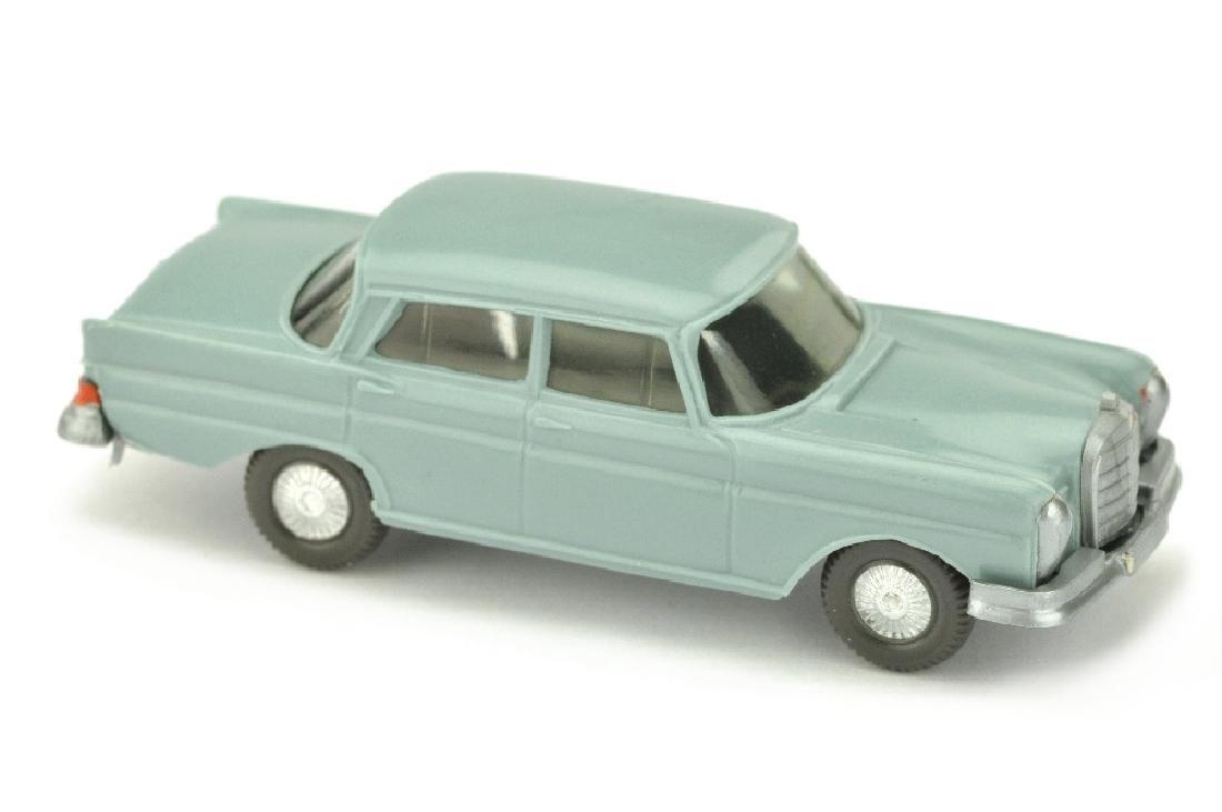 Mercedes 220 Heckflosse, gruenblau