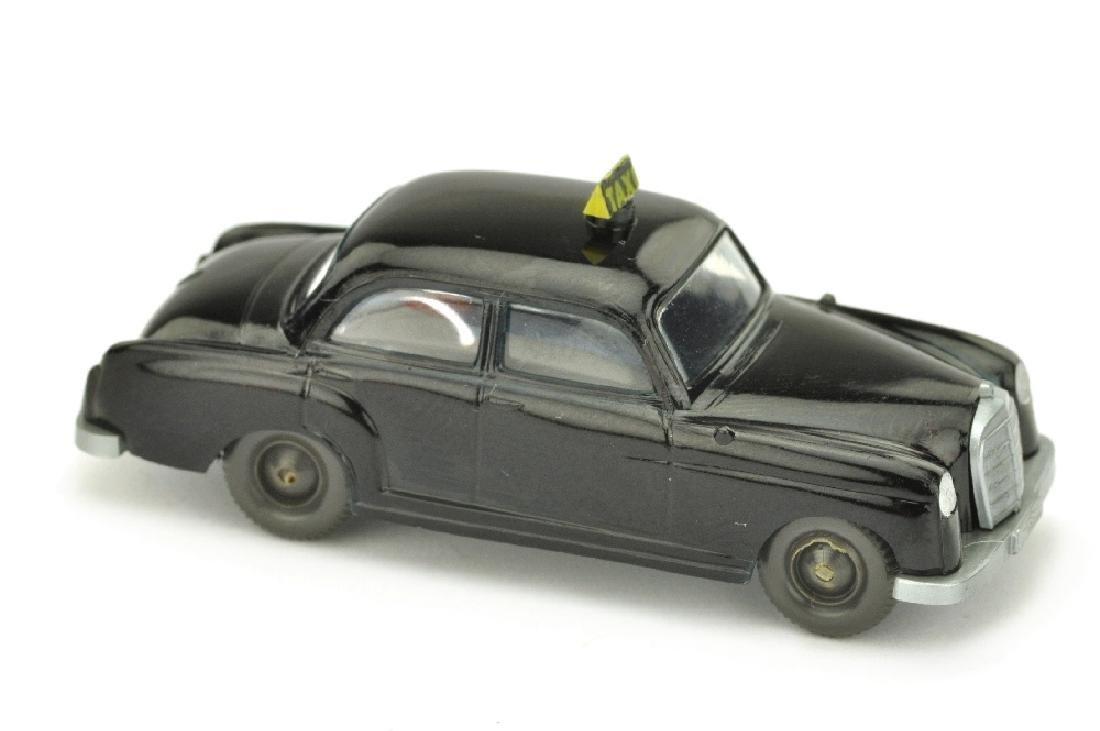 Taxi Mercedes 180 (mit Sockel)