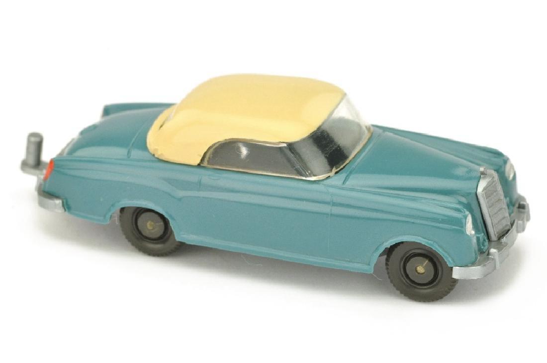 Mercedes 220 Coupe, diamantblau/hellbeige