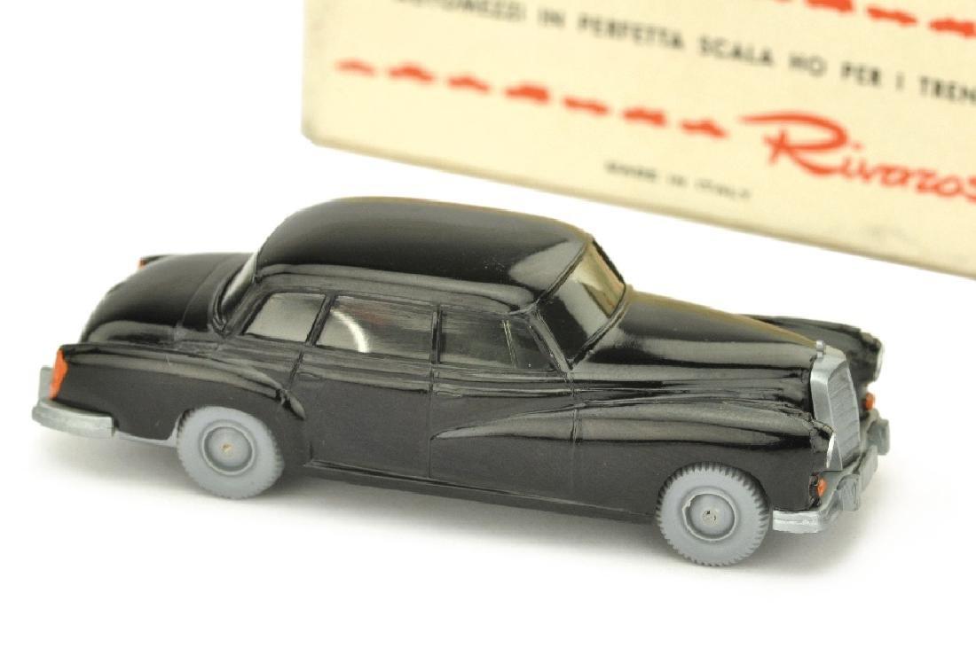 Mercedes 300, schwarz (im Rivarossi-Ork)