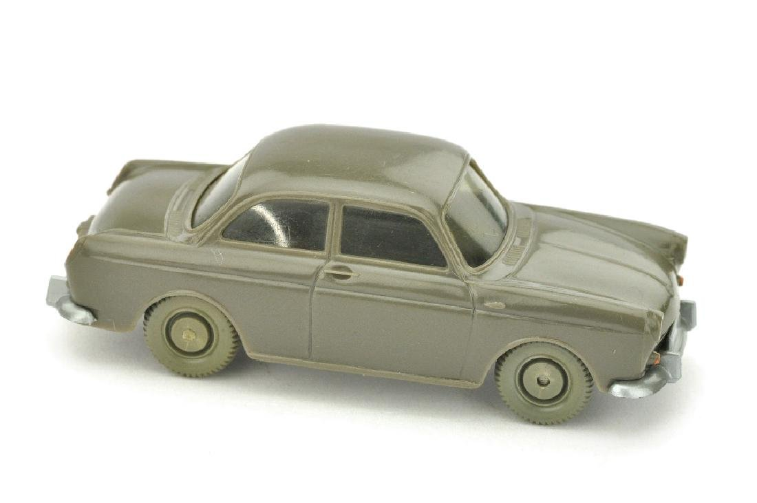 VW 1500 Stufenheck, umbragrau