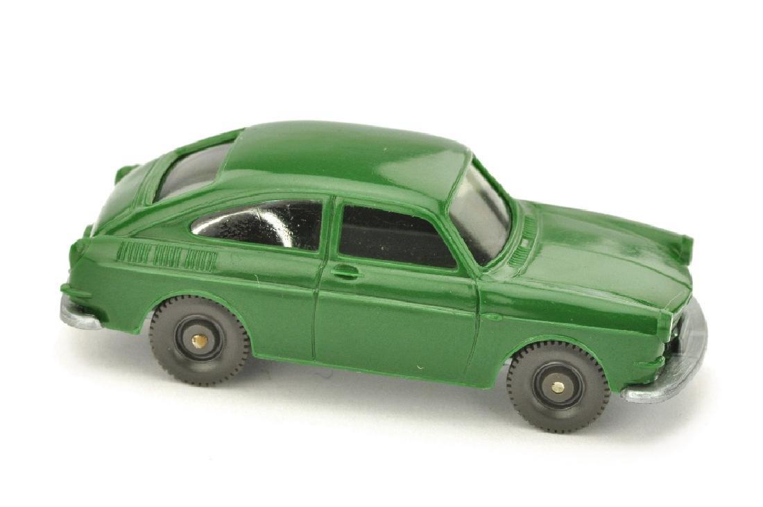 VW 1600 Fliessheck, laubgruen