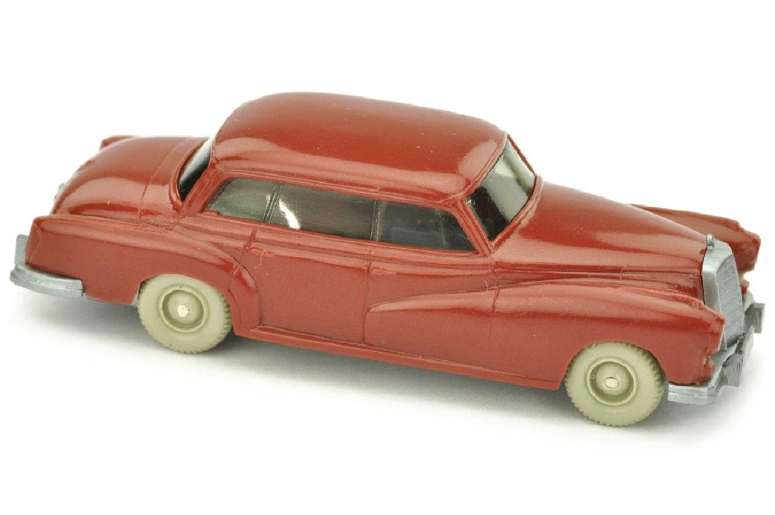 Mercedes 300, weinrot (ohne Seitenholme)