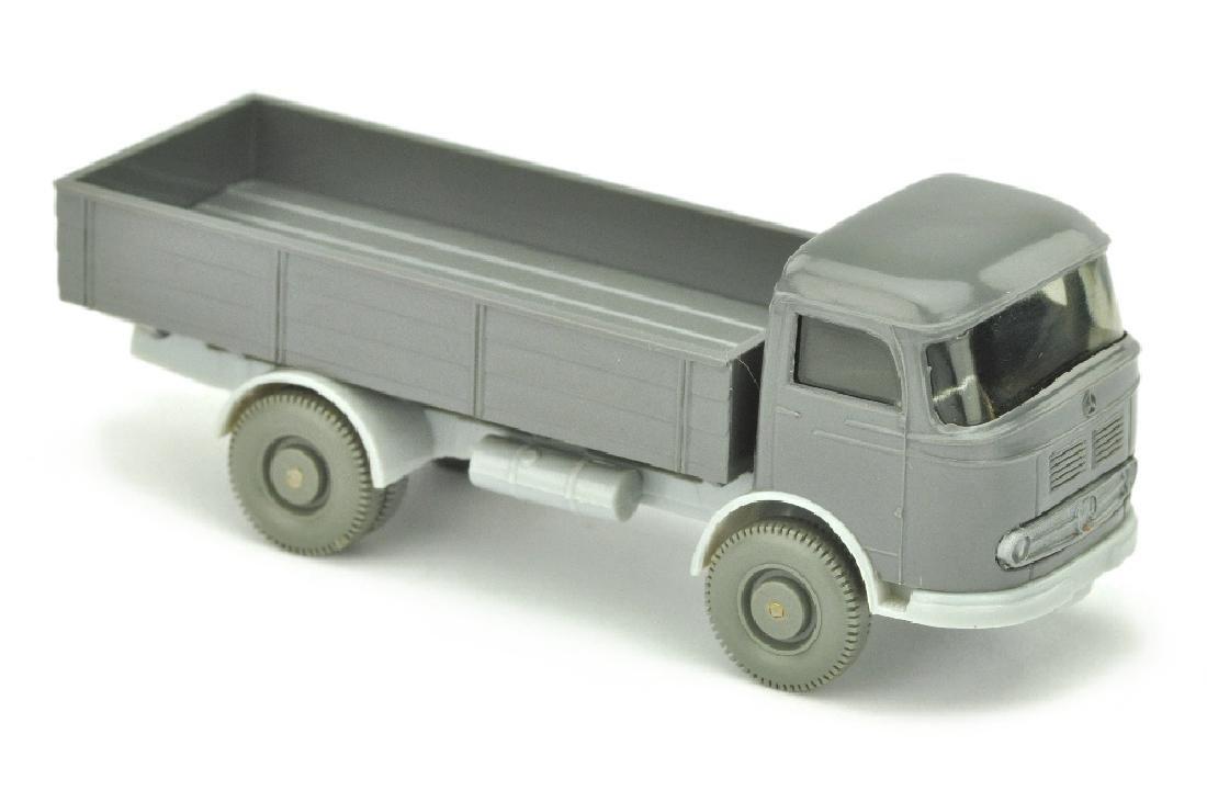 Mercedes LP 321, basaltgrau/silbergrau