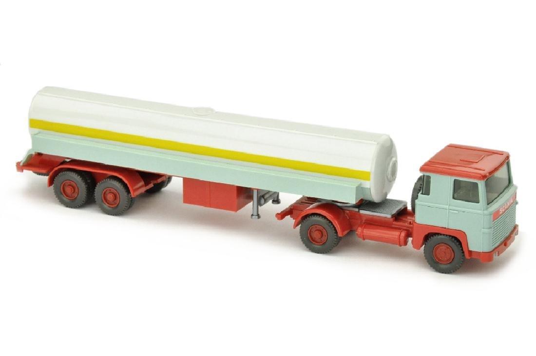 Tanksattelzug Scania 110, d'-lichtgruen/rot