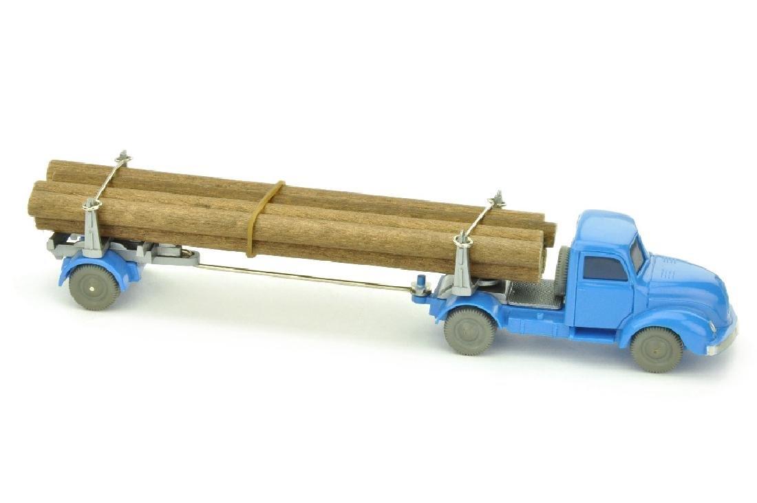 Langholztransporter Magirus, himmelblau