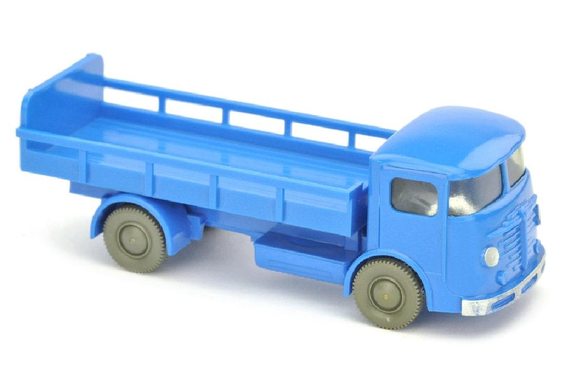 Milchwagen Buessing, himmelblau