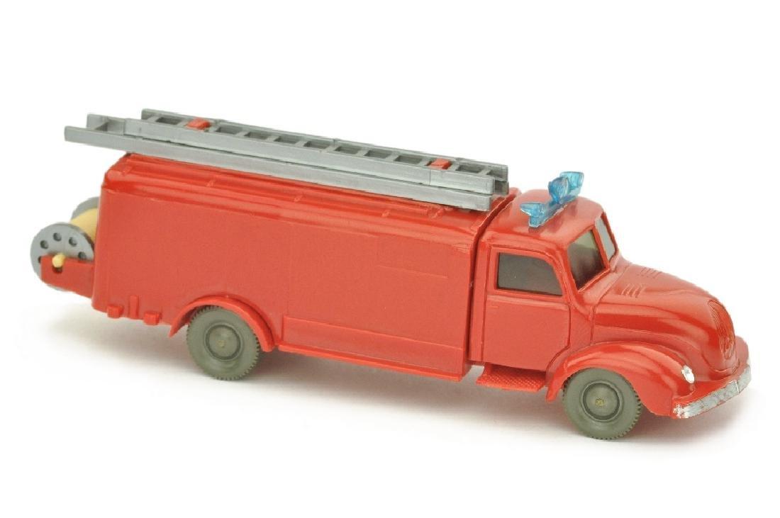 Spritzenwagen Magirus, rot