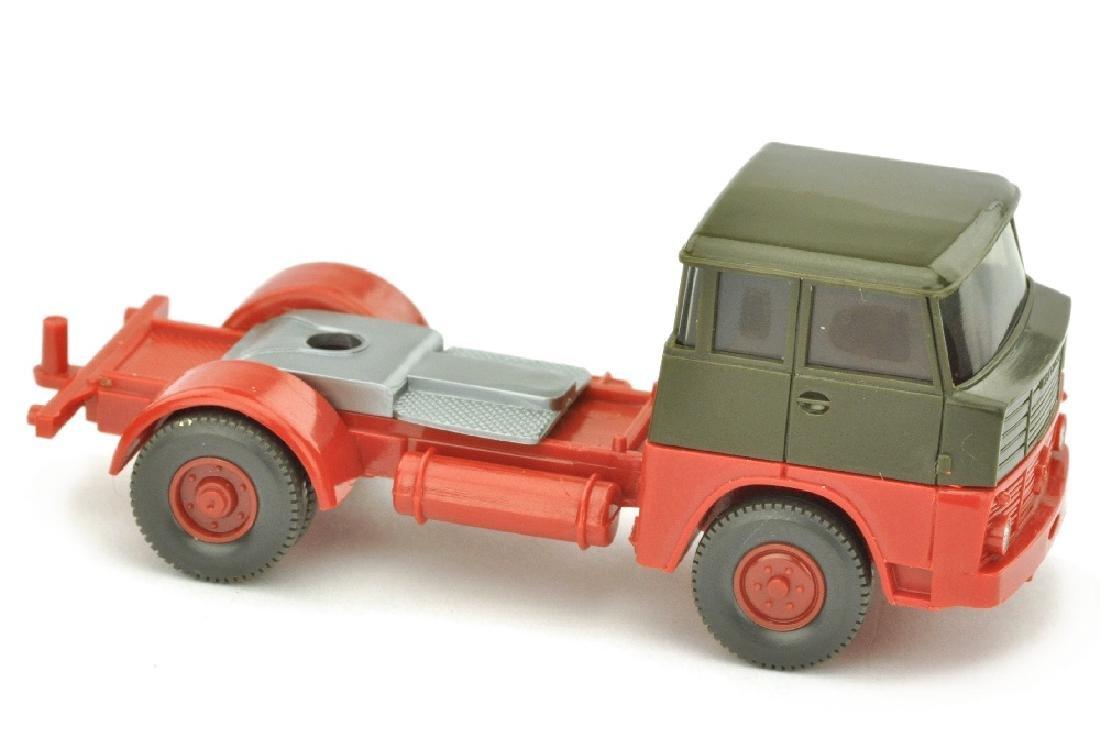 Zugmaschine Henschel HS 14, olivgruen/rot