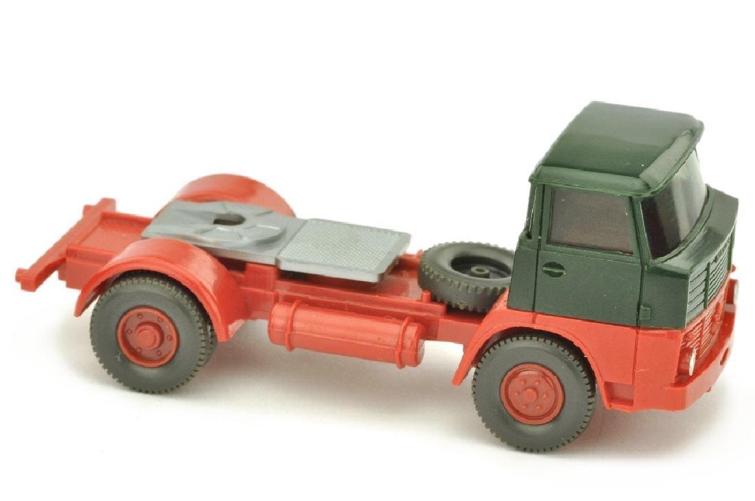Zugmaschine Henschel HS 16, tannengruen/rot