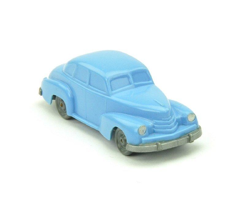 5007: Opel Kapitän 1951, lilablau
