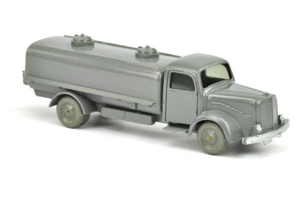 Sprengwagen MB 5000, basaltgrau