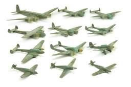Konvolut 12 deutsche Flugzeuge Gruenlinge