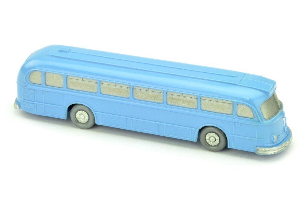 Omnibus Mercedes O 6600, lilablau