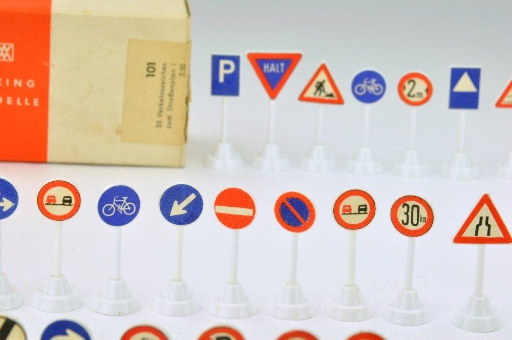 35 Verkehrszeichen zum Strassenplan I (im Ork) - 2