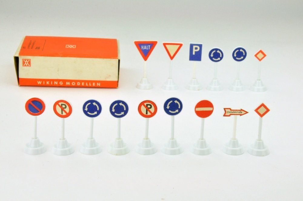 15 Verkehrszeichen zum Strassenplan I (im Ork) - 2