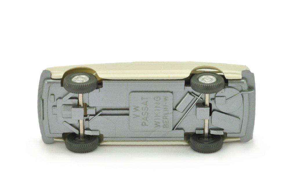 "VW Passat, grauweiss (Grill mit ""VW""-Emblem) - 3"