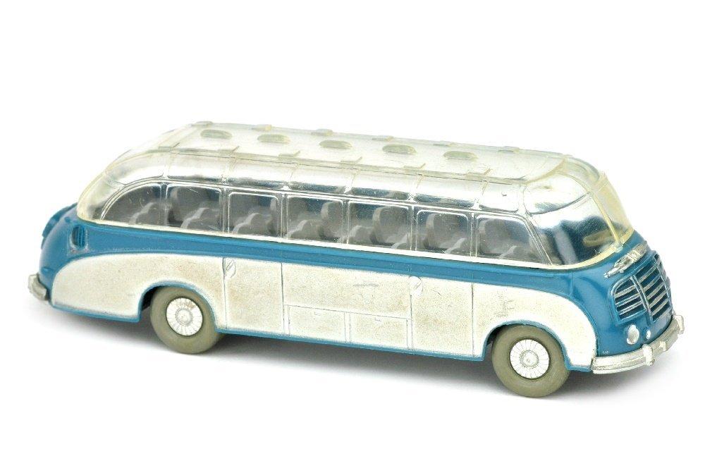 Setra-Bus, azurblau