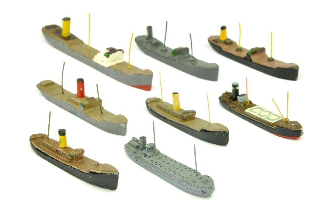PILOT - Konvolut 8 Tank- und Frachtschiffe