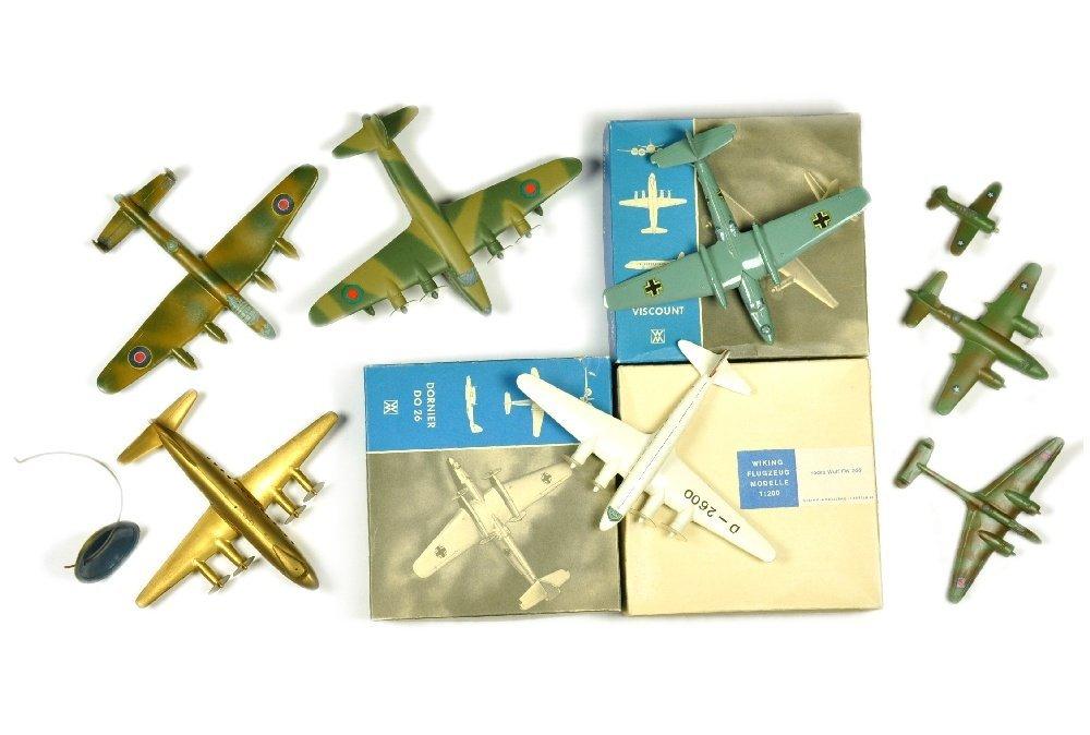 Konvolut 8 Flugzeuge (ueberlackiert)