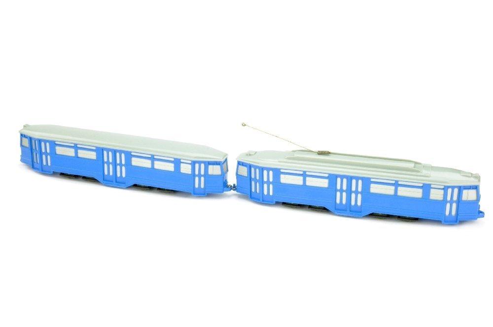 Strassenbahn-4-Achs-Zug, himmelblau