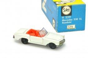 Siku - (v 229) Mercedes 230 Sl (im Ork)