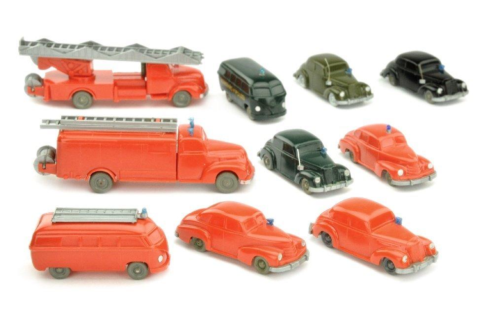 Konvolut 10 unverglaste Einsatzfahrzeuge