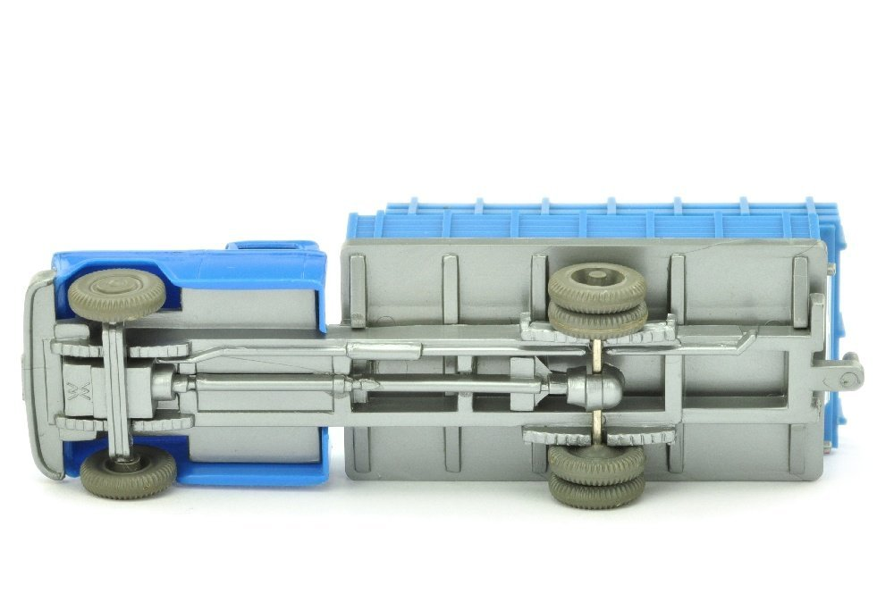 Chevrolet hoher Aufbau, himmelblau - 3