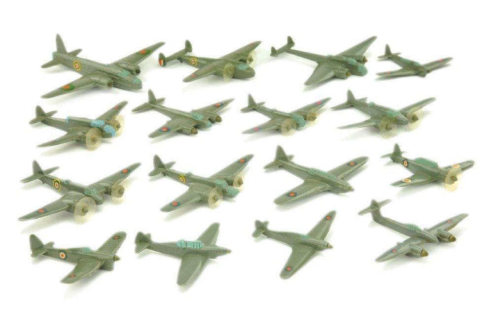 Konvolut 16 englische Flugzeuge (Gruenlinge)