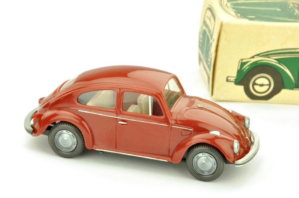 VW Kaefer (Typ 4), weinrot (im Ork)