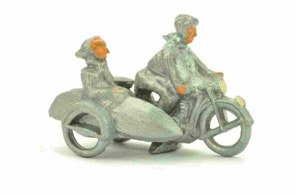 Motorradfahrer mit Beiwagen, silbern