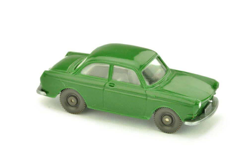 VW 1600 Stufenheck, laubgruen