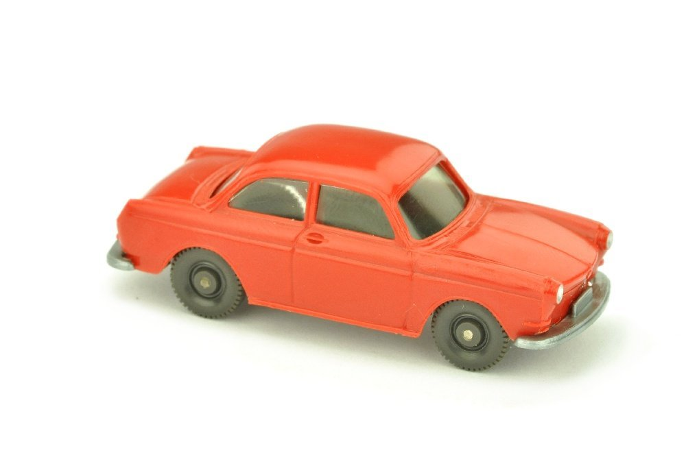 VW 1600 Stufenheck, rot