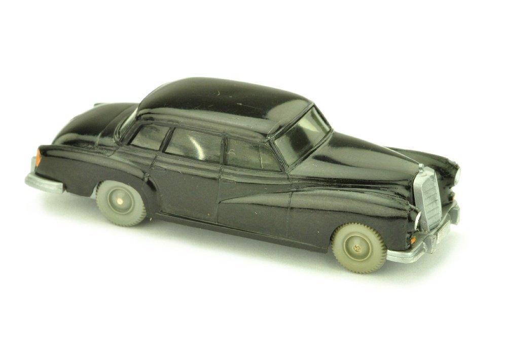 Mercedes 300, schwarz (Version /2)