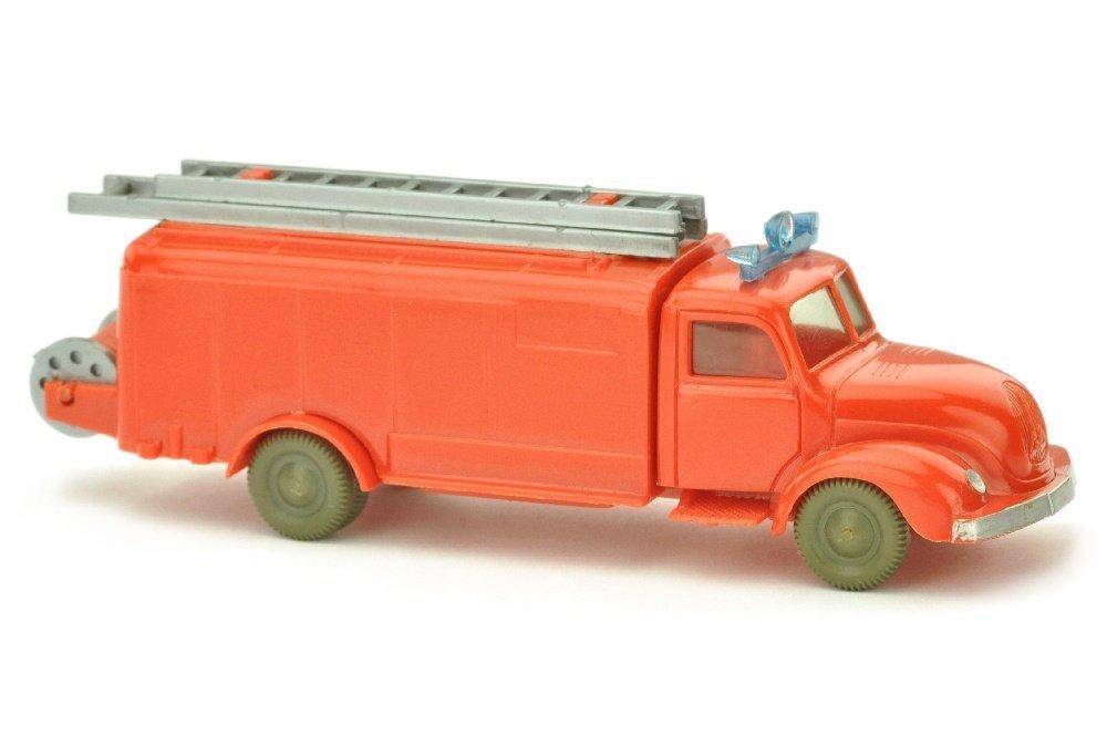Spritzenwagen Magirus, orangerot