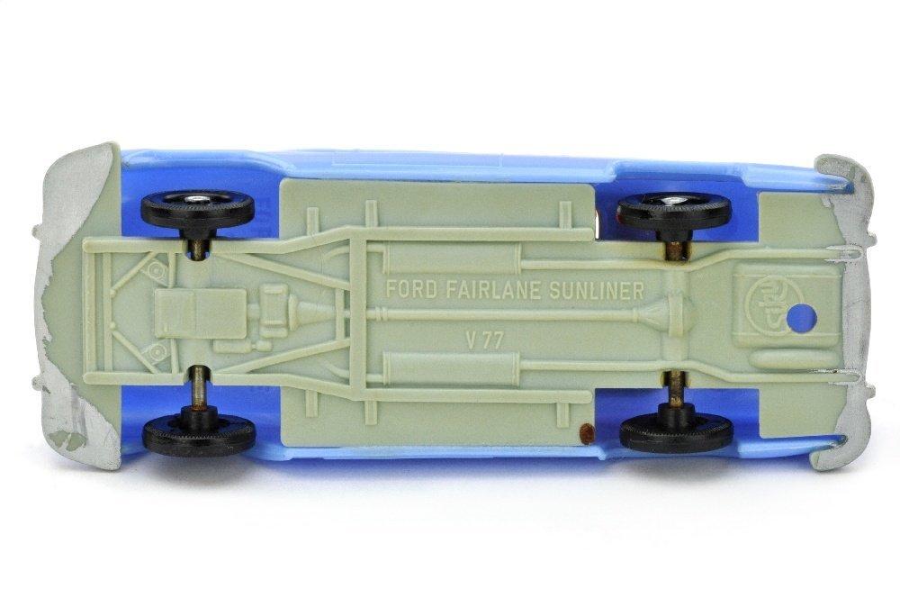 V 77- Ford Fairlane Sunliner, pastellblau - 2