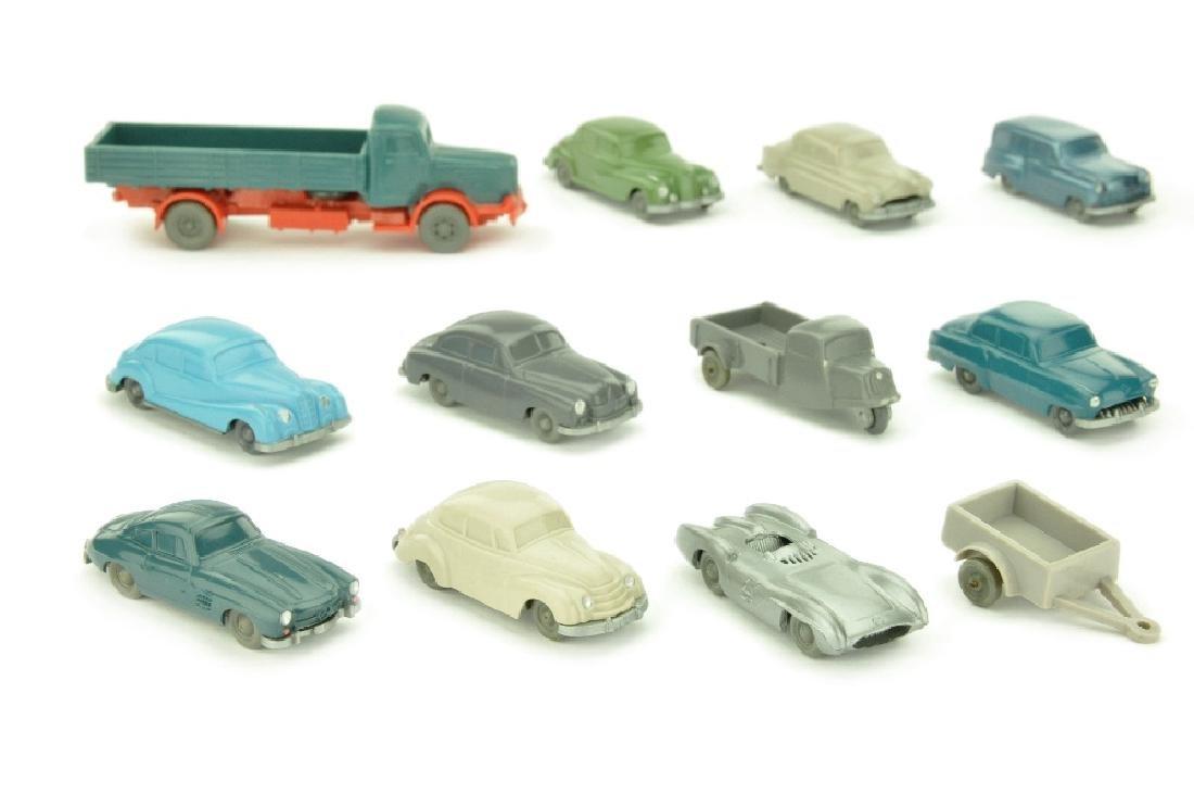 Konvolut 12 unverglaste Modelle