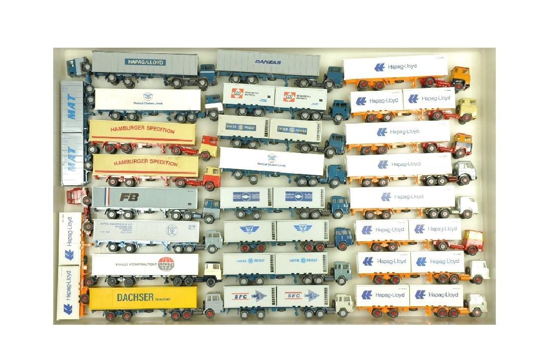 Konvolut 26 Container-LKW der 70er/80er Jahre