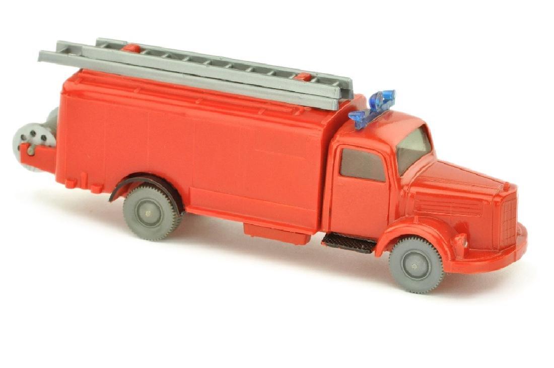Spritzenwagen MB 3500, rot (nur bemalt)