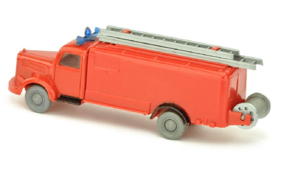 Spritzenwagen MB 3500, rot (nur bemalt) - 2
