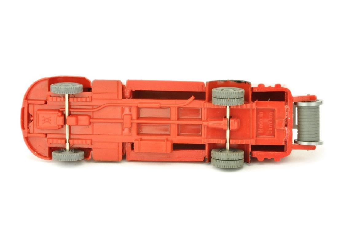 Spritzenwagen MB 3500, rot (nur bemalt) - 3