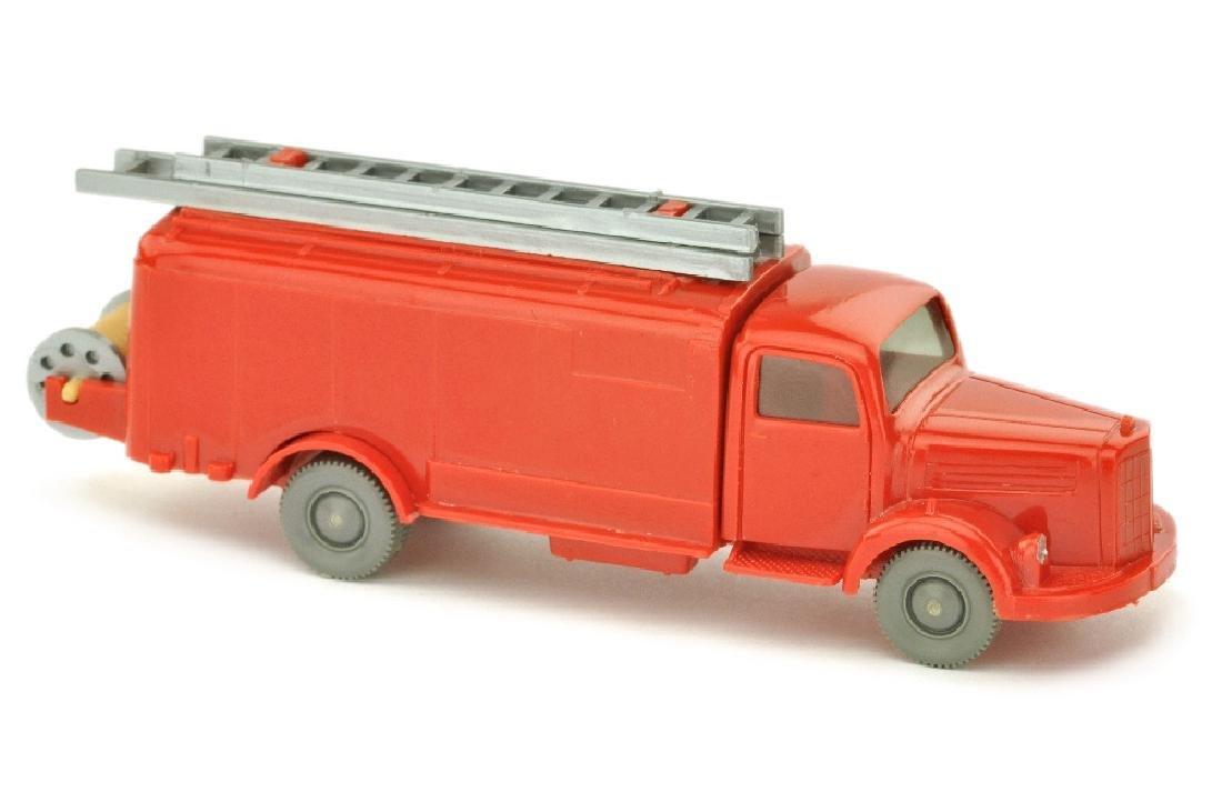 Spritzenwagen MB 3500, rot (mit Blinkern)