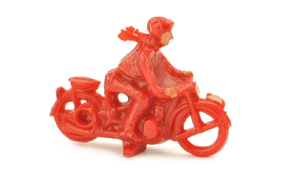 Motorradfahrer mit Beiwagen, rot